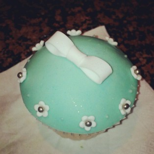 tiffany-blue-cupcake
